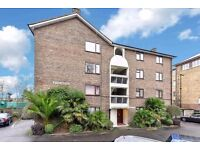 Double Bedroom Flat - Good Location - Bright & Spacious - Private Parking - Balcony - Available Now