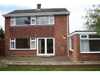 3 Bed Detached with Garage in Manthorpe, desirable area near Belton House, big garden,