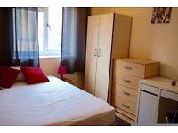 Beautiful double room in Mile End. 2 weeks deposit!!