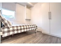 Fully furnished double room minutes from Kennington and Elephant & Castle!