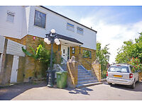 This exquisite six bedroom, 60s fully detached home is located in a tranquil, private cul-de-sac.