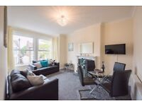 Short Stay - Modern Apartment in Southend - Sleeps 6 - Free Wi-Fi/Parking - Minutes From the Pier.