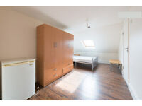 Amazing!!! 4 ENSUITE rooms in SAME house near STATION