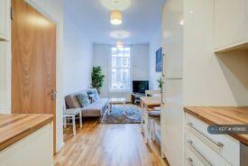 2 bedroom flat in Danbury Street, London , N1 (2 bed) (#1119695)