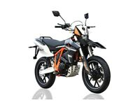 Sinnis Apache SMR 125 *Brand New*2017*Finance available * £2395 OTR * Save £200.