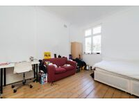 STUDENTS & SHARERS 4 DOUBLE BEDROOMS