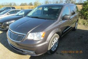 2016 Chrysler Town & Country TOURING 7-PASS! QUAD CAPTAIN CHAIRS