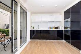 TWO BED FLAT ON PUMP HOUSE CRESCENT CLOSE TO KEW BRIDGE - PRIVATE PATIO/GYM&24 HR CONCIERGE £1900PCM