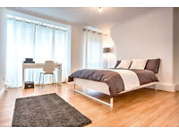 Double room with private balcony in Clapham, call us NOW!