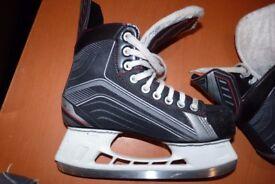 Ice Skate Bauer Vapor Size UK 7.5 - £25