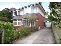 UNFURNISHED 1 BEDROOM TOP FLOOR FLAT SITUATED IN CHARMINSTER