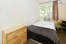 A cosy double room, located in East Finchley