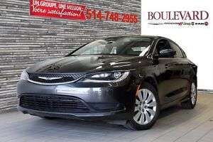 2016 Chrysler 200 LX AUT A/C