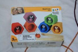 Plan toys - beehive game
