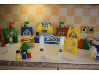 DUPLO MEGAVILLE TOWN AND ZOO WITH LOTS OF EXTRA BLOCKS