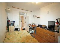 Studio Flat with Separate Kitchen-All the bills included-Nimrod Road-SW16-Available 31/03