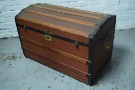 vintage trunk (DELIVERY AVAILABLE)