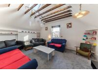 A Lovely 2 x bedroom Top Floor Flat - 5 minutes from Kilburn Station - call Shelley 07473792649