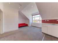 REFURBISHED !! Bright and Spacious 1 Bed Flat with Balcony and plenty of storage in Crouch End !!!