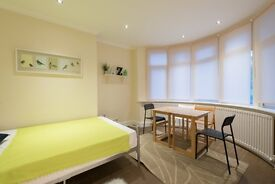 Em/***HUGE DOUBLE FOR SINGLE USE IN CHISWICK**LAST CHANCE**