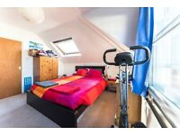 ****LOVELY 1 BED TOP FLOOR FLAT-MINS AWAY FROM WEST HAMPSTEAD STN-MUST SEE-CALL RICKY****