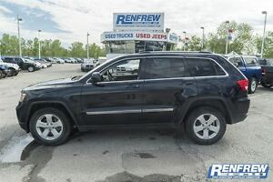 2011 Jeep Grand Cherokee Laredo X Back up Cam/Sunroof