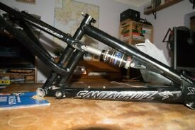 "Santa Cruz Heckler Frame circa 2002. Single Pivot Fox Shocl 15"" (small) Burly full susser"