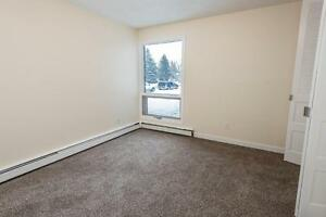 BRIGHT 2BR + WALK OUT PATIO/1 MONTH FREE!!!