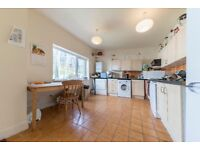 A Lovely 2 x bedroom flat with a small patio area just 4 minutes walk from West Hampstead Station