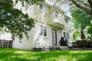 5A Clareview Village - Beautiful 3-Bedroom Townhouse!