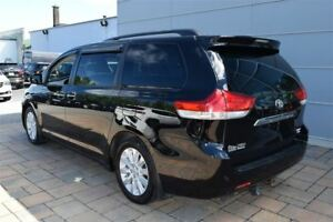 2014 Toyota Sienna XLE AWD 7 passagers+ V-6+ DVD+Navigation