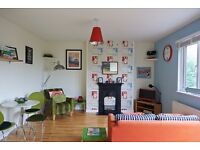 SB Lets are delighted to offer modern spacious 2 bedroom luxury top floor flat with roof terrace