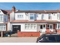 No Chain,Huge,Beautiful House, 5 Bedrooms,3 Bathrooms, Leaving room,Garage,Huge Garden, in Croydon