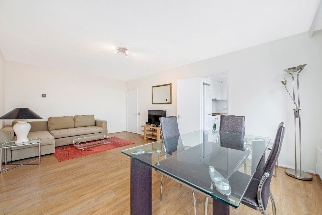 A bright, spacious two bedroom flat in W2