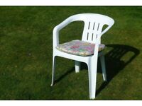 4 Garden Chairs and Cushions