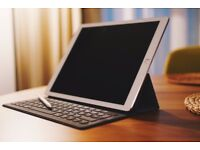 """iPad Pro 12.9"""" 128 GB with Smart Keyboard and Apple Pencil"""