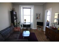 Private letting - Spacious and bright 2 bedroom flat in Leith