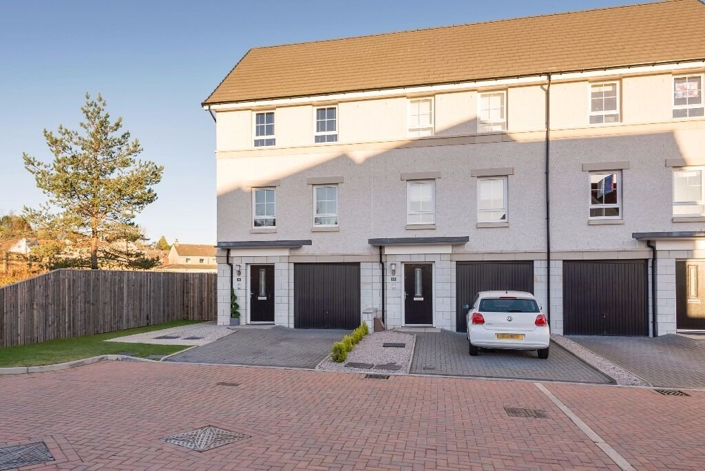 AM PM ARE PLEASED TO OFFER FOR LEASE THIS STUNNING 3 BED PROPERTY- GARTHDEE-ABERDEEN-P5530