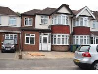 Extended 4/5 Bedroom Semi - detached house - Newely Furnished , Spacious Living Space
