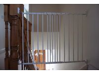 BabyDan MultiDan Metal Extending safety Gate White