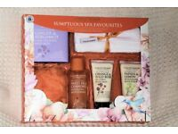 New Calcot Manor Gift Box, Sumptuous Spa Favourites, Shower & Bathing, 6 Items, Histon