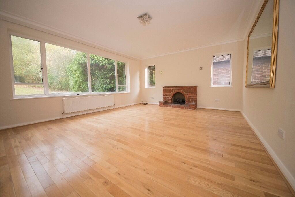 **3 BED DETACHED BUNGALOW WITH GARDEN + DRIVEWAY** FURNISHED, UNFURNISHED HADLEY WOOD, COCKFOSTERS