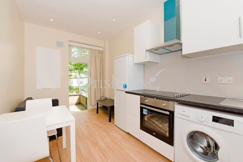 newly refurbished one bed flat with private balcony