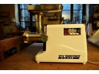 STX Turboforce 3000 meat grinder / mincer and sausage stuffer