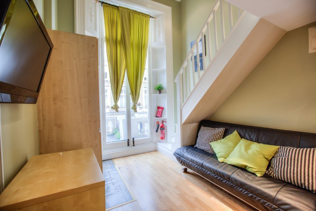 Stunning and Specious flat in Notting Hill gate with ALL BILLS INC