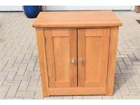 Hampshire Solid Oak 2 Door Sideboard 75x45x77cm