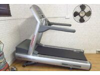 REFURBISHED TREADMILL LIFE FITNESS 95TI RUNNING MACHINE FREE DELIVERY GYM EQUIPMENT COMMERCIAL
