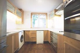 3 Bed Flat - Kiburn NW2 for Rent - Own Garden with Patio - Near Stations & Amenities - Available Now