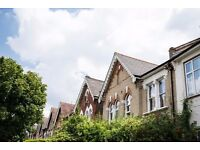 1 BED ROOM FLAT AVAILABLE FOR 4 MONTHS 18/03/17-29/07/17 £1250 pcm inc all bils