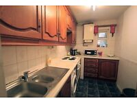 Single Room **GREAT PRICE ** Zone 2 ** AVAILABLE NOW !! 5P